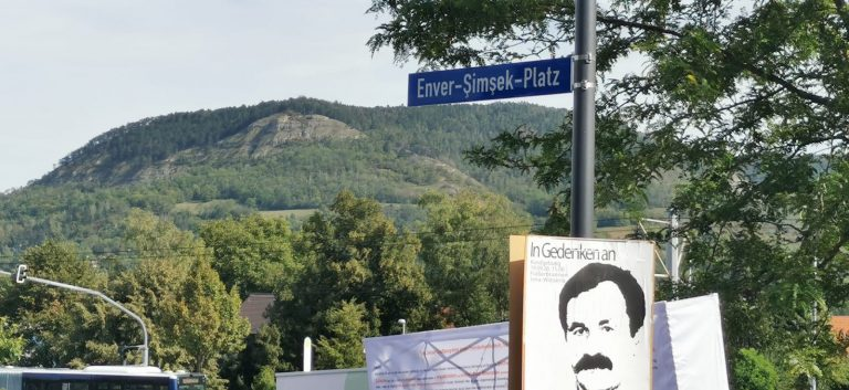 NSU kurbanlarından Enver Şimşek ismi Jena kentinde bir meydana verildi.