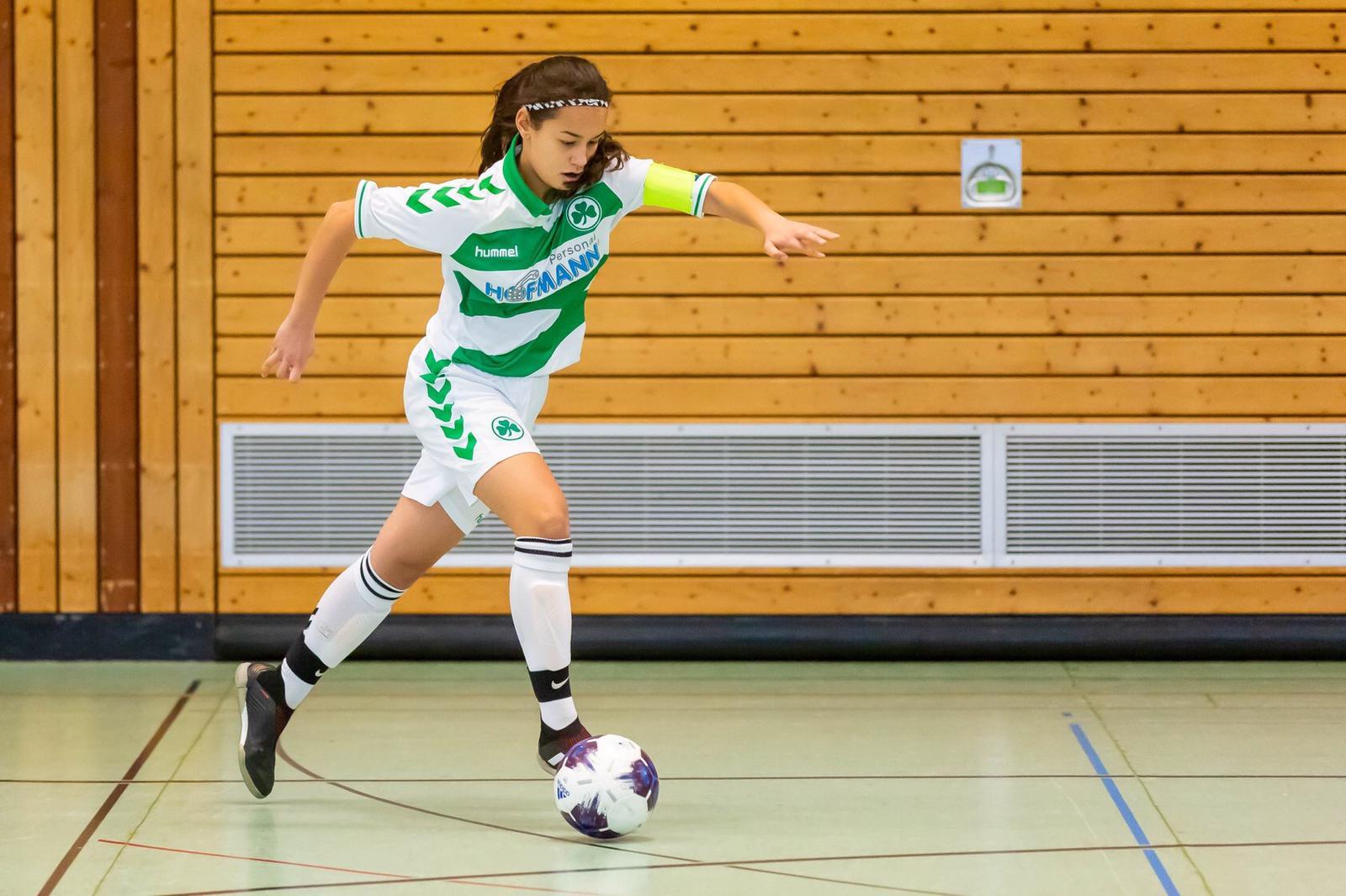 Nürnberg'li Senay, A Milli Kadın Futbol Takımın hazırlık Kampına çağırıldı.