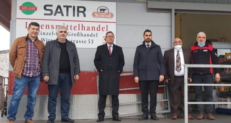 Başkonsolos Deniz, Türk girişimcilerinin sorunlarını dinledi