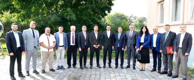 YTB Başkanı Eren: Iradenizi sandığa giderek gösterin